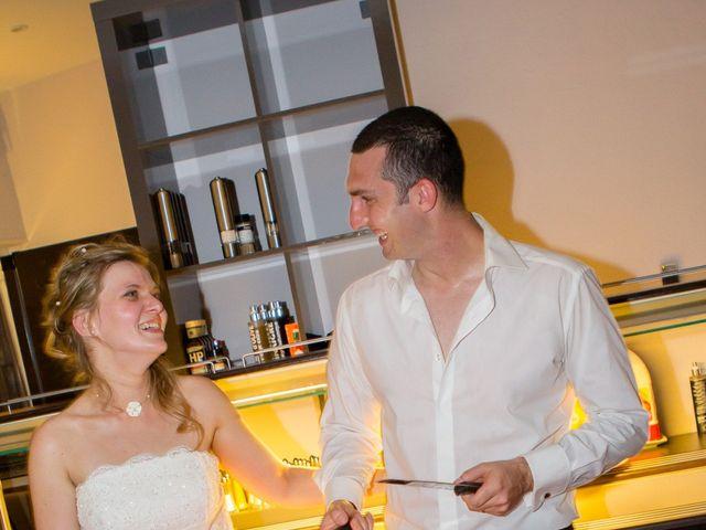 Le mariage de Romain et Delphine à Vitrolles, Bouches-du-Rhône 77