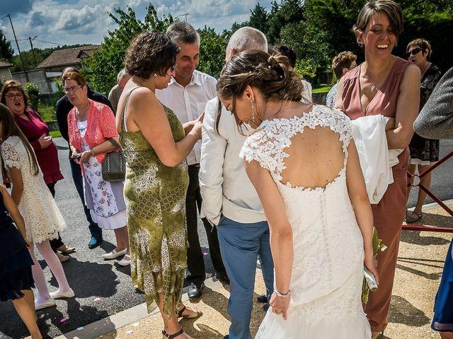 Le mariage de Julien et Delphine à Leignes-sur-Fontaine, Vienne 12