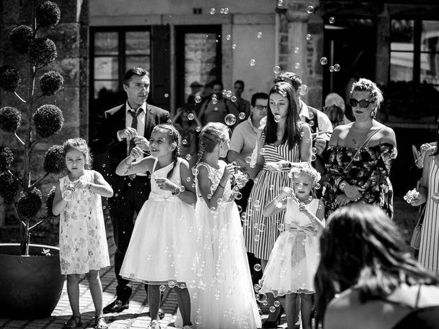 Le mariage de Olivier et Aurélie à Nolay, Côte d'Or 28