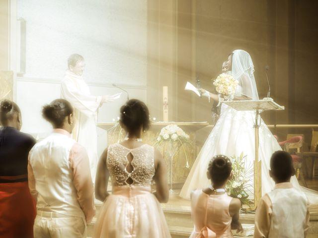 Le mariage de Miguel et Lorna à Annecy, Haute-Savoie 14