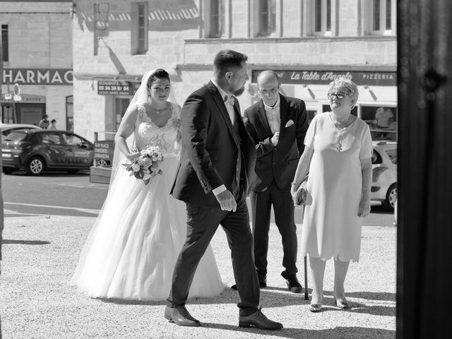 Le mariage de Fabien et Lauriane à Ambarès-et-Lagrave, Gironde 16
