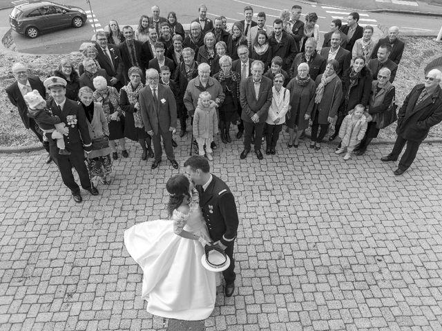 Le mariage de Antoine et Pauline à Pont-de-Roide, Doubs 15