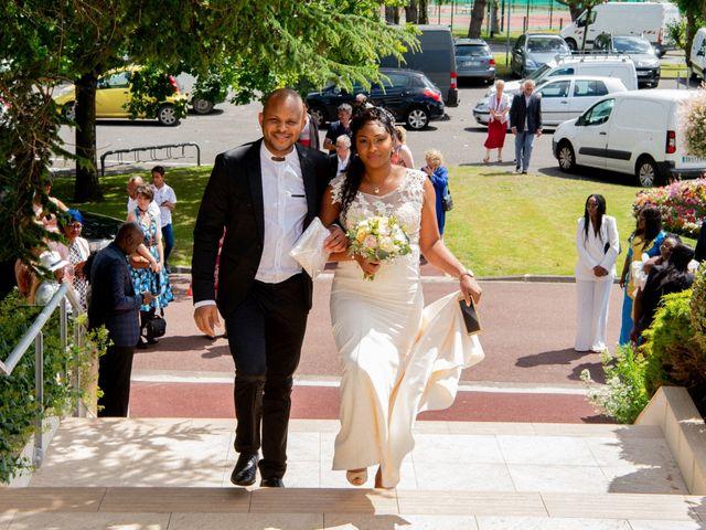 Le mariage de Emmanuel et Yaye à Cucq, Pas-de-Calais 4