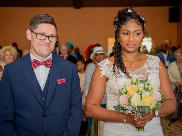 Le mariage de Emmanuel et Yaye à Cucq, Pas-de-Calais 5