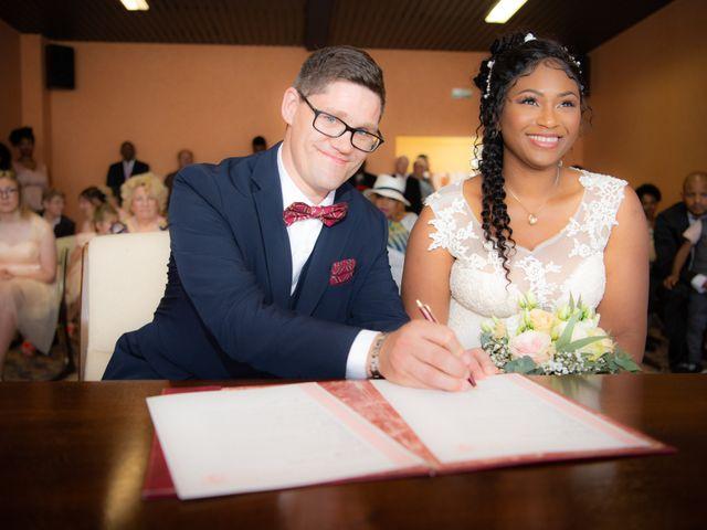 Le mariage de Emmanuel et Yaye à Cucq, Pas-de-Calais 7