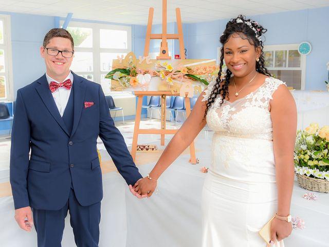 Le mariage de Emmanuel et Yaye à Cucq, Pas-de-Calais 10