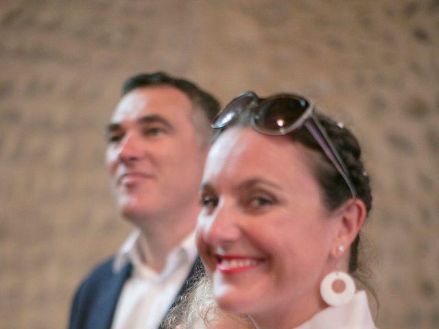 Le mariage de Max et Sophie à Saint-Éloi, Nièvre 10