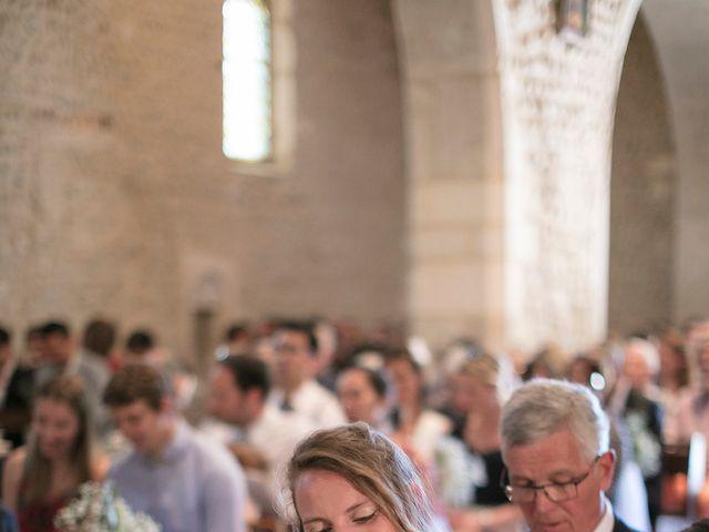 Le mariage de Max et Sophie à Saint-Éloi, Nièvre 12