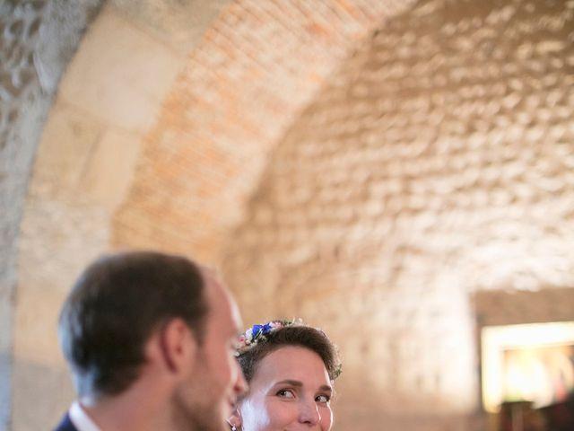 Le mariage de Max et Sophie à Saint-Éloi, Nièvre 15