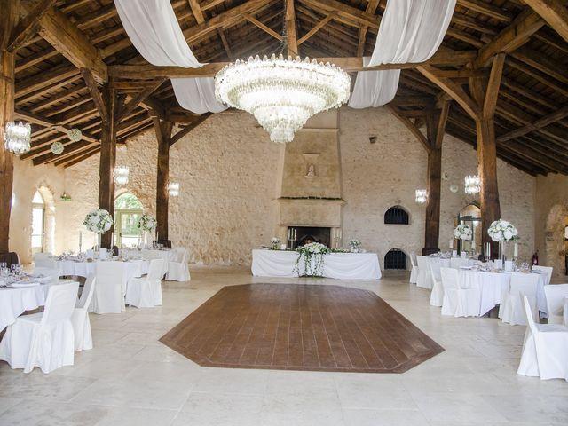 Le mariage de Julien et Coraline à Angoulême, Charente 60
