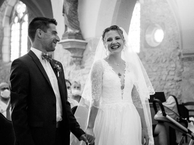 Le mariage de Denis et Lucie à Neuville-sur-Ain, Ain 6