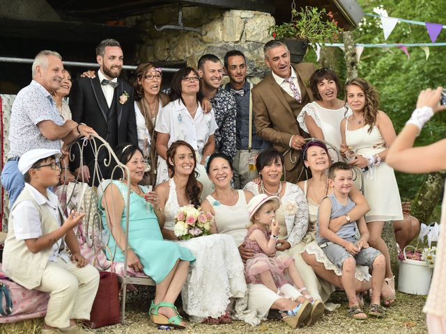 Le mariage de Alexandre et Amélie à Annecy, Haute-Savoie 56