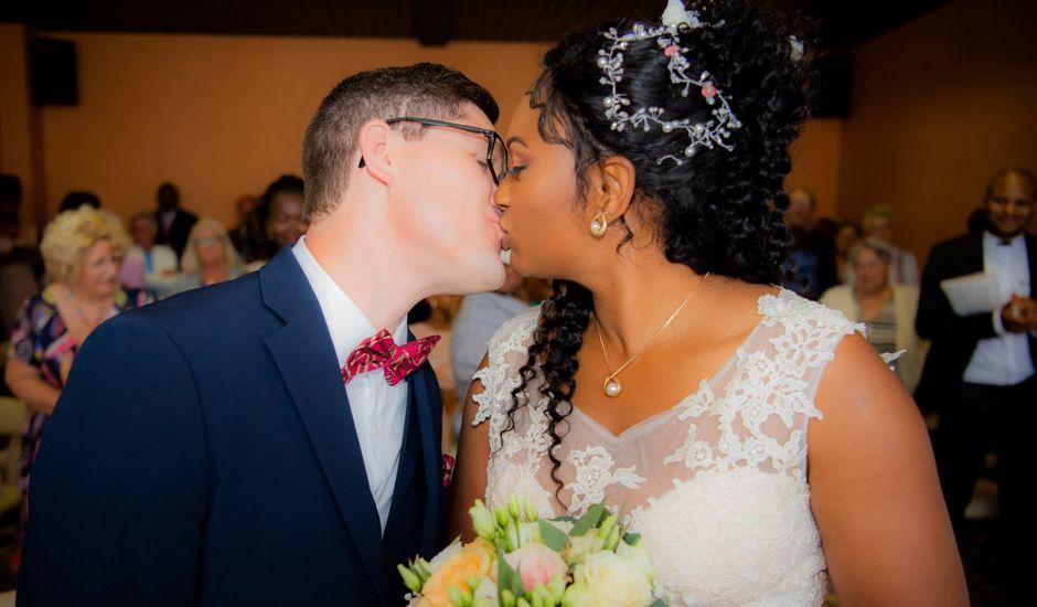 Le mariage de Emmanuel et Yaye à Cucq, Pas-de-Calais