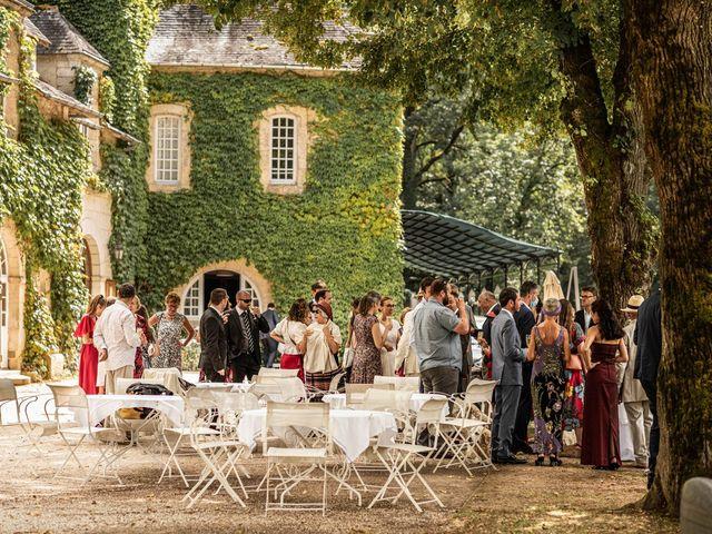 Le mariage de Timothée et Caroline à Saint-Amand-de-Coly, Dordogne 10