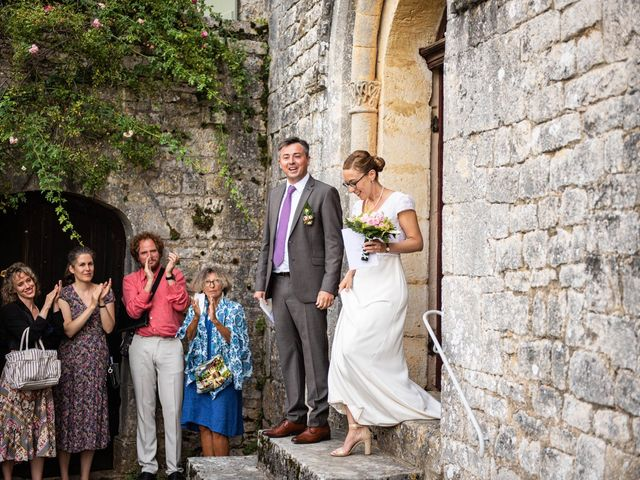 Le mariage de Timothée et Caroline à Saint-Amand-de-Coly, Dordogne 20