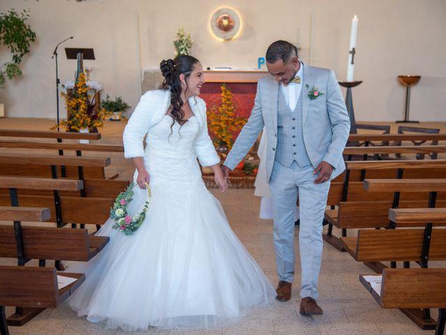 Le mariage de Mickaël et Florence à Baraqueville, Aveyron 16