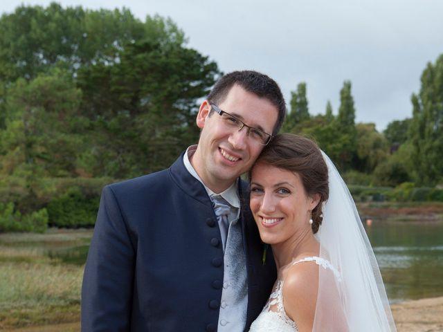 Le mariage de Manon et Pierre à Saint-Avé, Morbihan 16