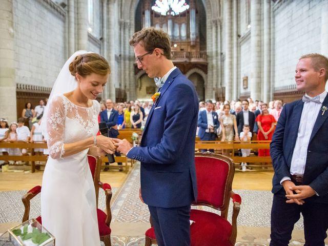 Le mariage de Guillaume et Mathilde à Bécon-les-Granits, Maine et Loire 53