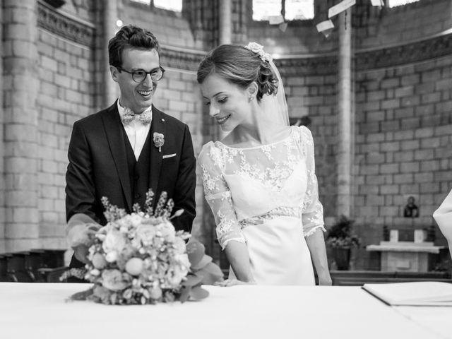 Le mariage de Guillaume et Mathilde à Bécon-les-Granits, Maine et Loire 59