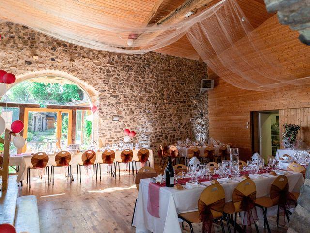 Le mariage de Christophe et Lysiane à Mirefleurs, Puy-de-Dôme 24