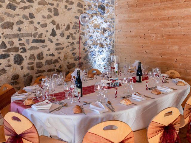 Le mariage de Christophe et Lysiane à Mirefleurs, Puy-de-Dôme 32