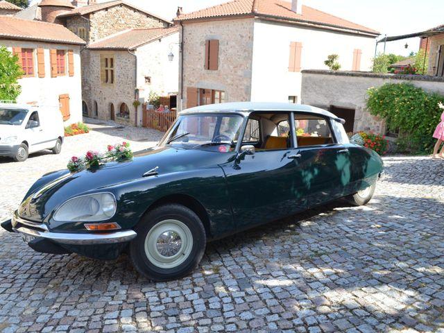 Le mariage de Nicolas et Aurelie à La Pacaudière, Loire 1