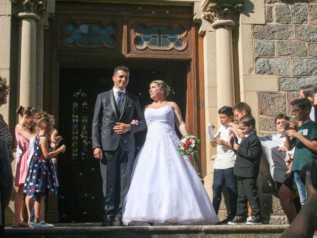 Le mariage de Nicolas et Aurelie à La Pacaudière, Loire 8