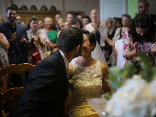 Le mariage de Arnaud et Ambre à Brieulles-sur-Bar, Ardennes 22
