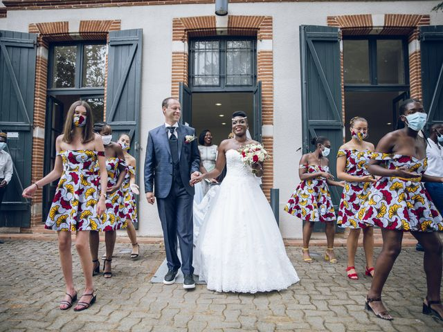 Le mariage de Xavier et Rita à Villeneuve-Tolosane, Haute-Garonne 43