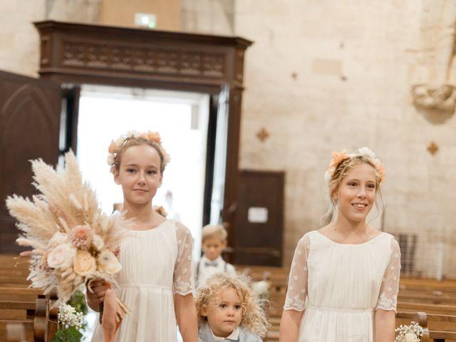 Le mariage de Romain et Alissa à Villeneuve-les-Avignon, Gard 11