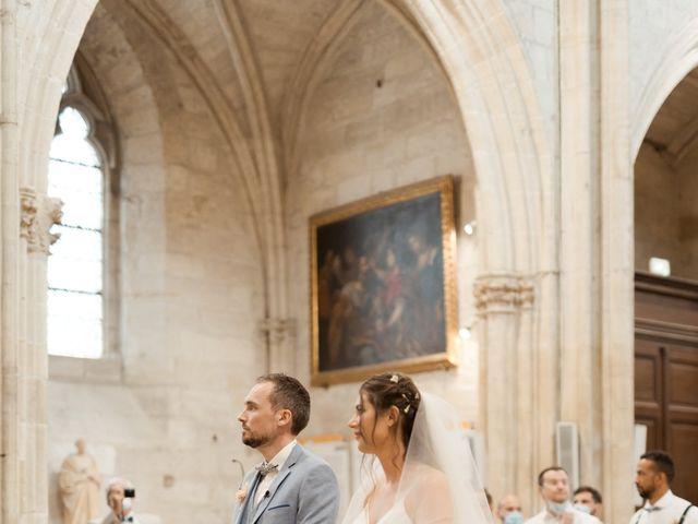 Le mariage de Romain et Alissa à Villeneuve-les-Avignon, Gard 13
