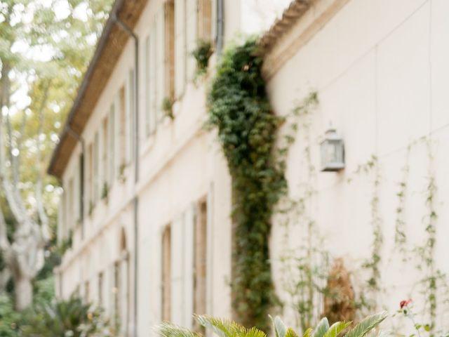 Le mariage de Romain et Alissa à Villeneuve-les-Avignon, Gard 34