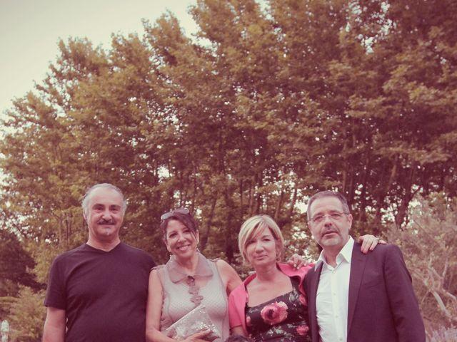 Le mariage de Salomon et Victoria à Orgon, Bouches-du-Rhône 27