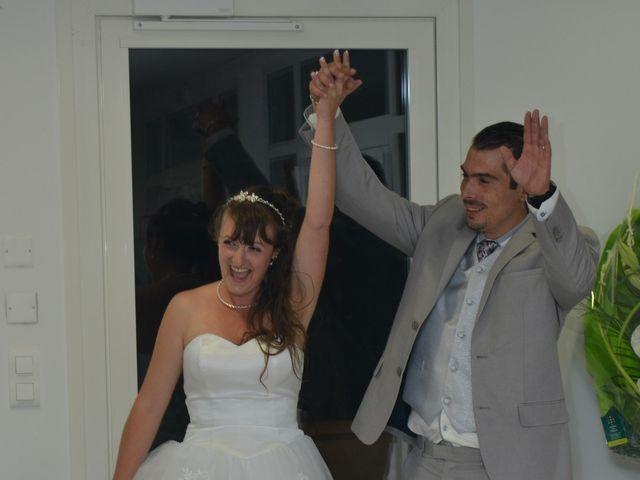 Le mariage de Steve et Vanessa à Bollène, Vaucluse 18