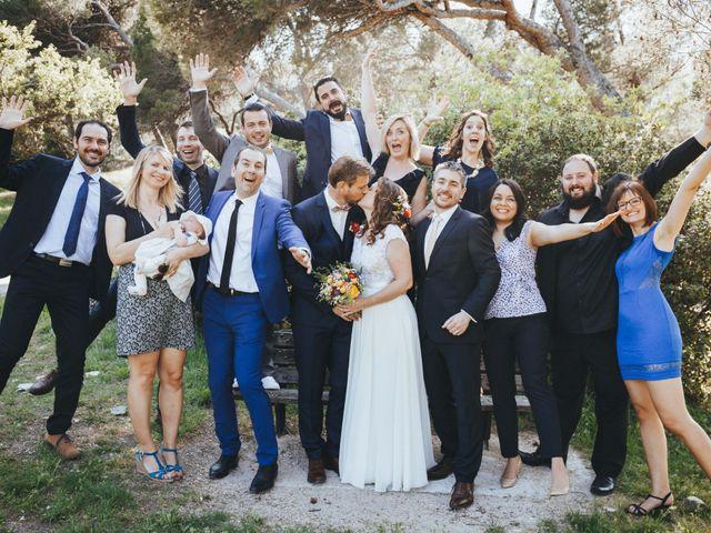 Le mariage de Nicolas et Célia à Villeneuve-les-Avignon, Gard 59