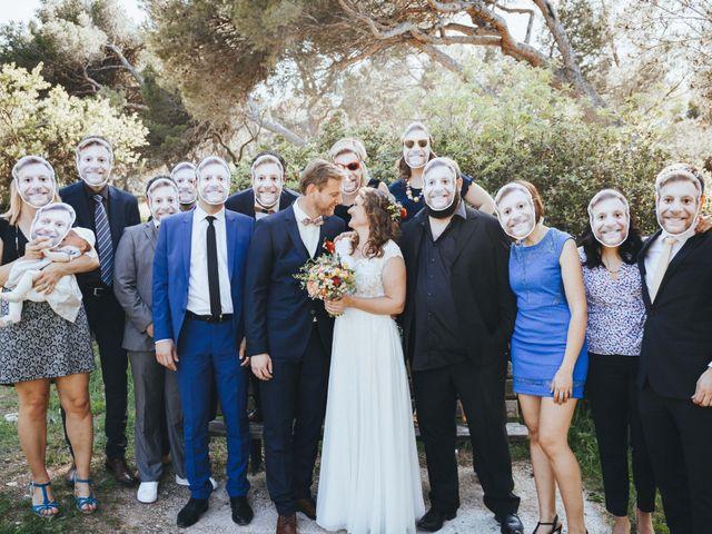 Le mariage de Nicolas et Célia à Villeneuve-les-Avignon, Gard 60