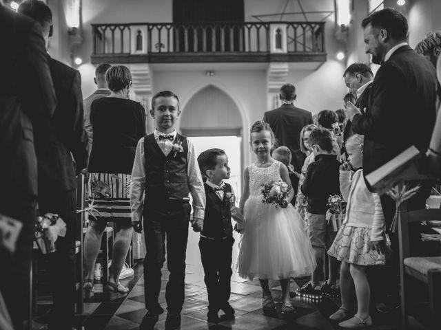 Le mariage de Christophe et Cindy à Le Maisnil, Nord 13