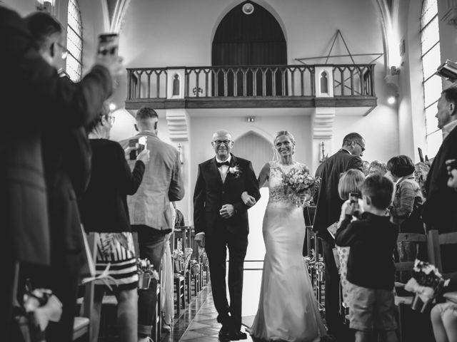 Le mariage de Christophe et Cindy à Le Maisnil, Nord 14