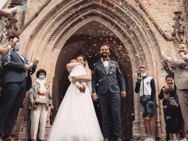 Le mariage de Élodie et Pierre à Crosville-sur-Douve, Manche 9