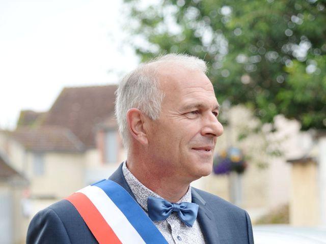 Le mariage de Julien et Charlotte à Appoigny, Yonne 3
