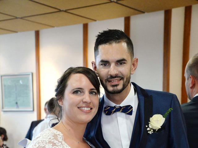Le mariage de Julien et Charlotte à Appoigny, Yonne 15