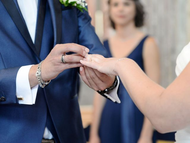 Le mariage de Julien et Charlotte à Appoigny, Yonne 24