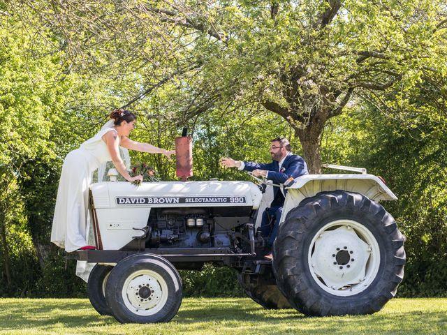 Le mariage de Robin et Marine à Le Mesnil, Manche 27