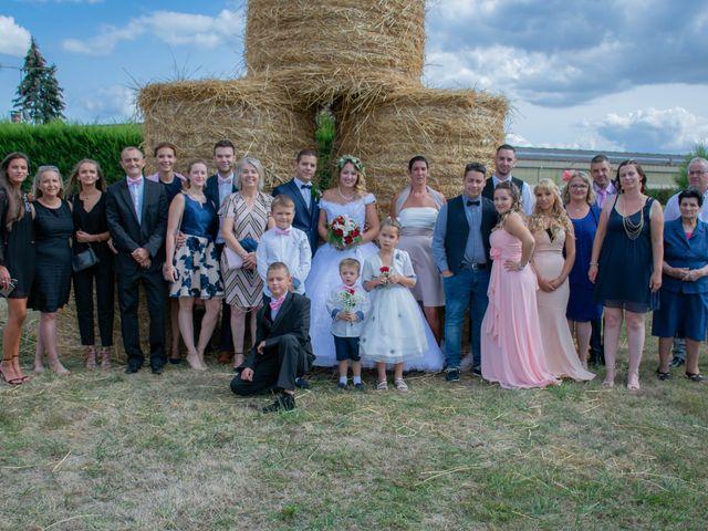 Le mariage de Marine et Valentin à Giffaumont-Champaubert, Marne 14