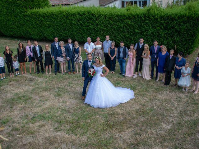 Le mariage de Marine et Valentin à Giffaumont-Champaubert, Marne 15