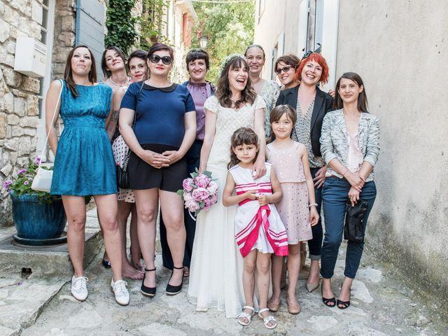 Le mariage de Benjamin et Caroline à Ventabren, Bouches-du-Rhône 21