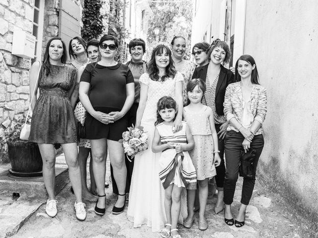 Le mariage de Benjamin et Caroline à Ventabren, Bouches-du-Rhône 22