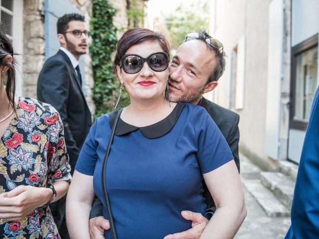 Le mariage de Benjamin et Caroline à Ventabren, Bouches-du-Rhône 23