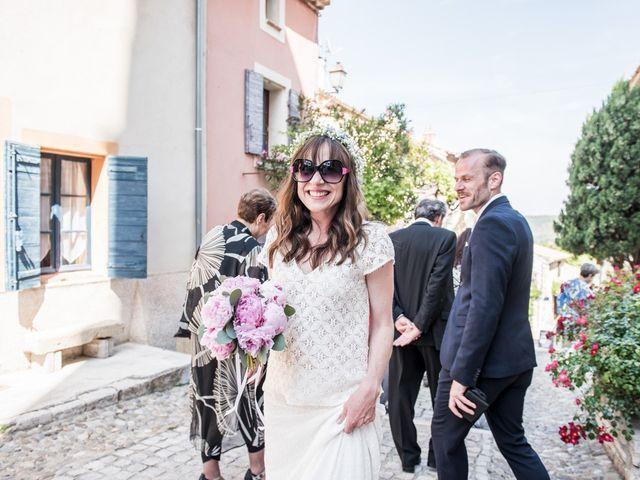 Le mariage de Benjamin et Caroline à Ventabren, Bouches-du-Rhône 30
