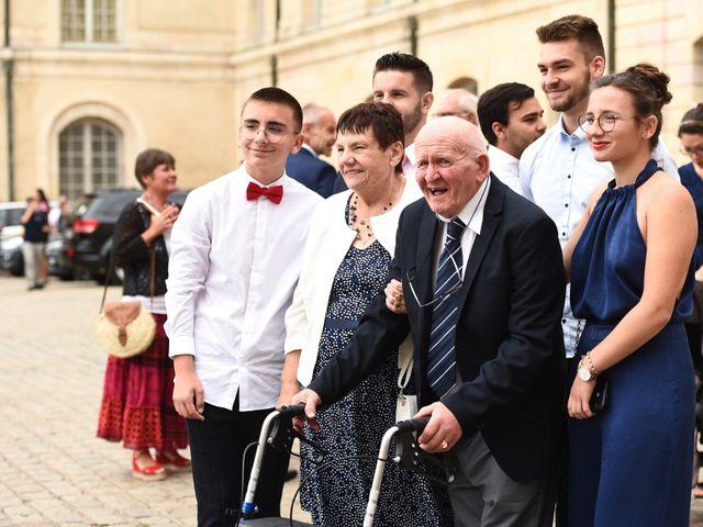 Le mariage de Maxime et Marine à Dijon, Côte d'Or 34